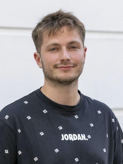 Tom Ushakov